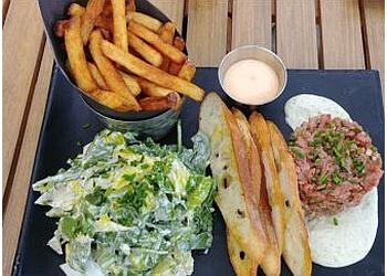 Sherbrooke sports bar La Cage