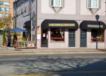 Burlington cafe Lakeshore Coffee House