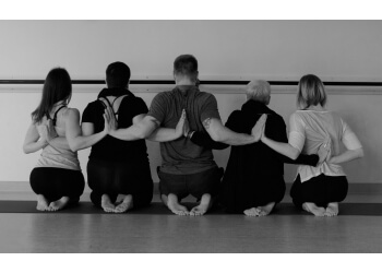 Moncton yoga studio Laluna Yoga