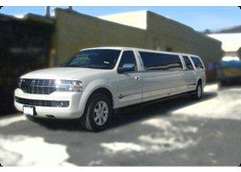 Longueuil limo service Laval Limo