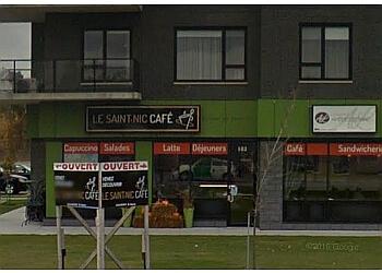 Levis cafe Le Saint-Nic Café