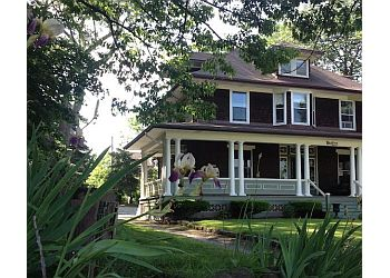 Niagara Falls bed and breakfast Lion's Head Bed & Breakfast