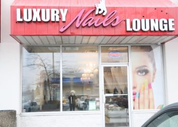 Ajax nail salon Luxury Nails Lounge