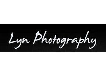 Aurora wedding photographer Lyn Photography