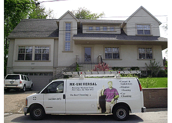 Mississauga gutter cleaner MK Universal Cleaning