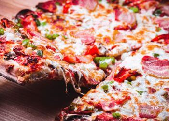 Brampton pizza place Mackay Pizza & Subs