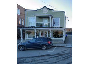 Saguenay florist Maison Marchand Fleuriste