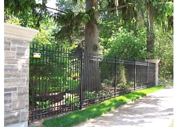 Brantford fencing contractor Maximum Fence