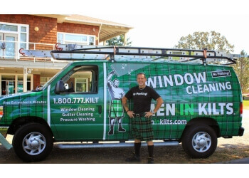 Victoria window cleaner Men In Kilts