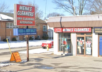 Windsor dry cleaner Mena's Cleaner & Alterations