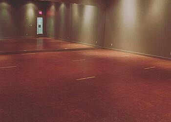 Aurora yoga studio Modo Yoga Aurora