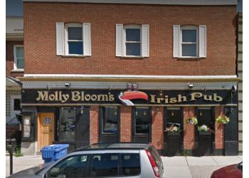 Stratford sports bar Molly Blooms Irish Pub