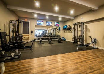 3 Best Gyms in Hamilton, ON - Expert Recommendations