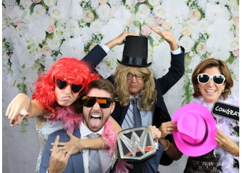 Laval photo booth company Mr.Montreal Photobooth