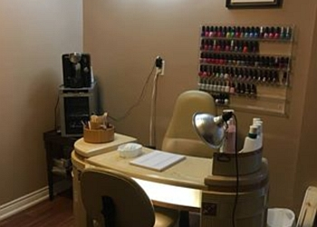 Orangeville nail salon Nails by Lora