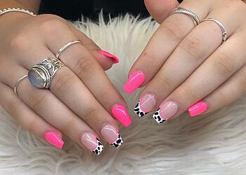 Nanaimo nail salon Neon Nail Studio
