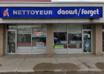Terrebonne dry cleaner Nettoyeur Daoust