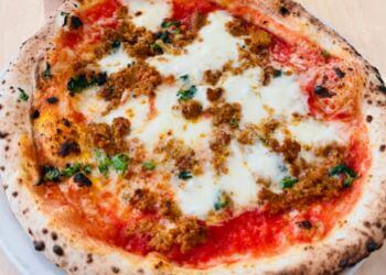 Quebec pizza place Nina Pizza Napolitaine