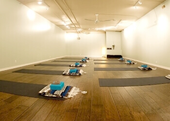 London yoga studio North Yoga & Wellness