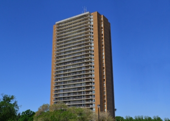 Winnipeg apartments for rent Number One Evergreen Place
