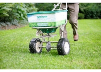 St Johns lawn care service Nutri Lawn