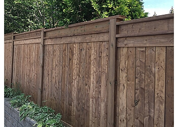 Ajax fencing contractor OLLIVIERRE CONTRACTING CUSTOM FENCE AND DECK