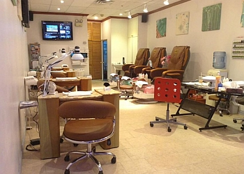 Brossard nail salon Ongles Flory