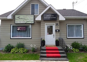 Saint Hyacinthe nail salon Ongles Nancy Houle