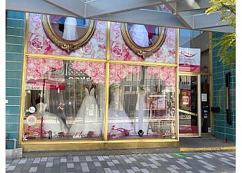 Montreal bridal shop Oui, je le voeux