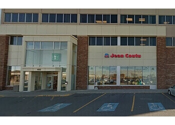 Drummondville pharmacy PJC Jean Coutu