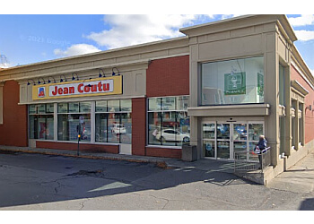 Saint Hyacinthe pharmacy PJC Jean Coutu
