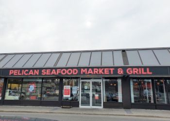 Ottawa seafood restaurant Pelican Seafood Market and Grill