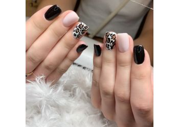 Niagara Falls nail salon Phoenix Nails