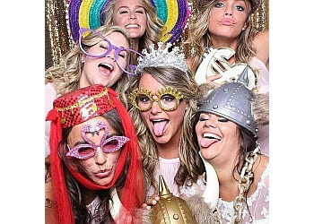 Laval photo booth company Photoboothlaval