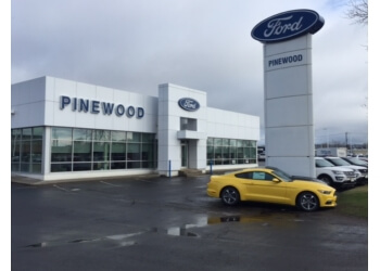 Thunder Bay car dealership Pinewood Ford Limited.