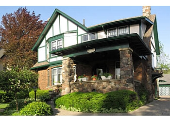 Kitchener bed and breakfast Queens Landing Guest House