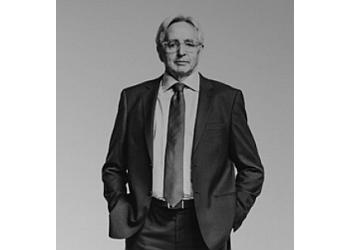 Brantford medical malpractice lawyer ROBERT FINDLAY
