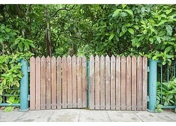 St Johns fencing contractor ROCKWOOD FENCING AND CONTRACTING
