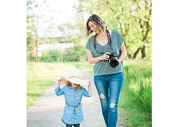 Stratford babies and family photographer Rachael Little is a Newborn & Family Photographer