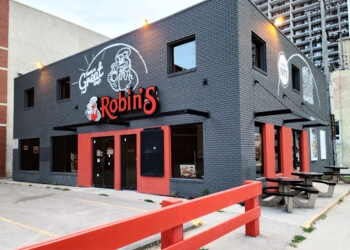 Winnipeg bagel shop Robin's Donuts