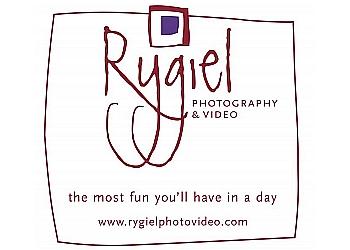 Winnipeg videographer Rygiel Photography & Video