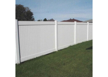 Sault Ste Marie fencing contractor SEAMLESS EAVESTROUGH & COUNTRY ESTATE FENCE