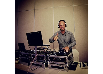 Cambridge dj SOUNDWAVES DJ ENTERTAINMENT