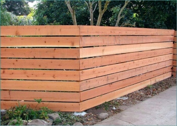 Kitchener fencing contractor STAR FENCING