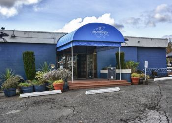 Delta seafood restaurant Sharkey's Seafood Bar & Grille