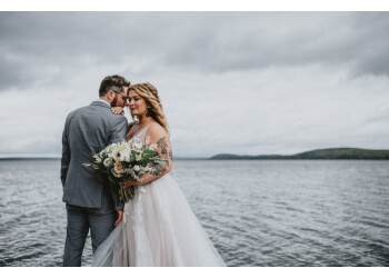 North Bay wedding photographer Shawn Moreton Photography
