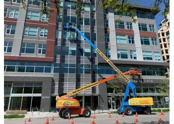 Kelowna window cleaner Sun Valley Window Cleaners