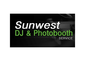 Nanaimo dj Sunwest DJ & Photobooth service