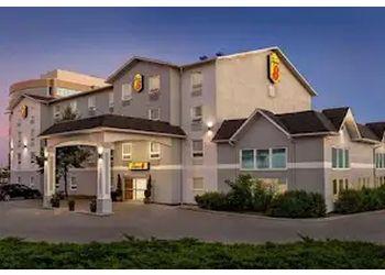Ajax hotel Super 8