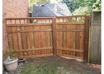 Burlington fencing contractor THE FENCE CONNECTION